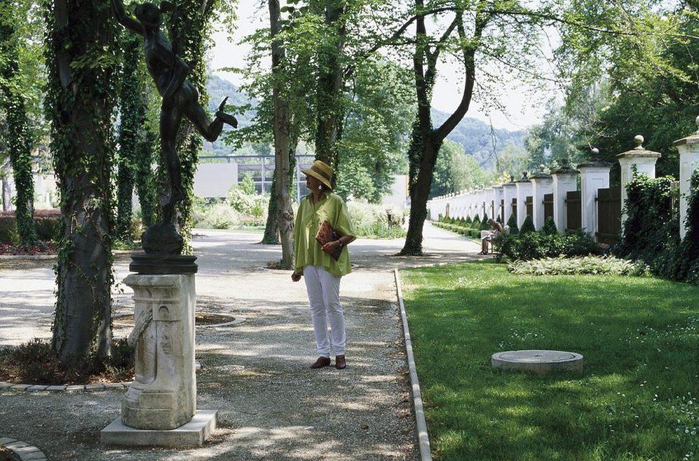 Helga Maria Tornquist Landschaftsarchitektin Innenraumgestaltung im Park Schloss Eggenberg